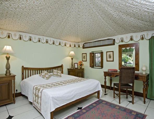 Hotel Samode Bagh Palace in Jaipur