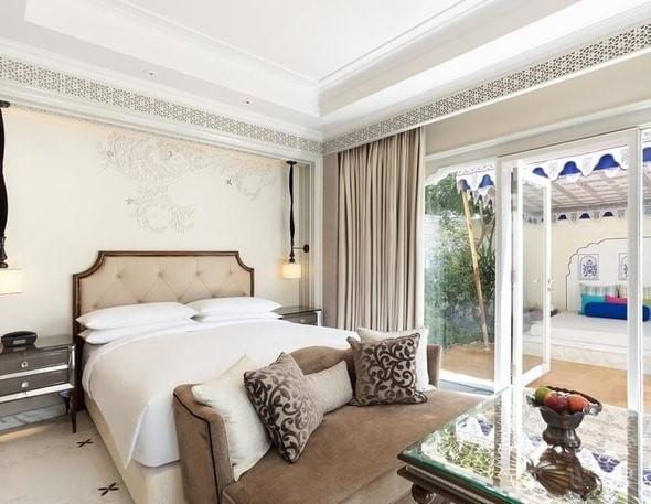 Marriott Hotel )1